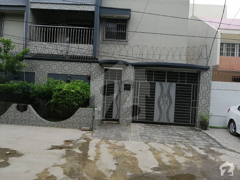 مسلم آباد سوسائٹی کراچی میں 6 کمروں کا 10 مرلہ مکان 6.75 کروڑ میں برائے فروخت۔