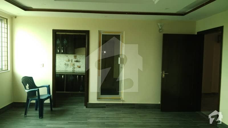 EDEN CITY 4 MARLA COMMERCIAL BUILDING 1ST  2ND FLOOR AVAILABLE FOR RENT