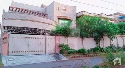 حیات آباد فیز 7 - ای6 حیات آباد فیز 7 حیات آباد پشاور میں 7 کمروں کا 14 مرلہ مکان 1.2 لاکھ میں کرایہ پر دستیاب ہے۔