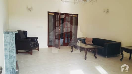 800 Sq Yard Beautiful 5 Bed House Prime Location F-10 Available For Sale