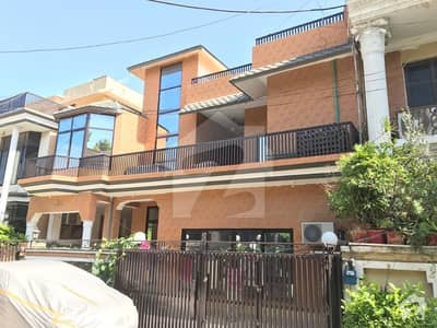 12 Marla 6 Bed Double Story with Basement Hall for sale