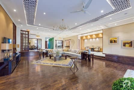 LEADS OFFER KANAL SPECIALLY BUILD GALLERIA DESIGN ELEGANT BUNGALOW ON IDEAL LOCATION
