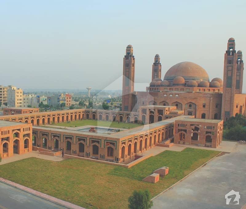 بحریہ ٹاؤن - رفیع ایکسٹینشن بلاک بحریہ ٹاؤن سیکٹر ای بحریہ ٹاؤن لاہور میں 1 کنال رہائشی پلاٹ 1.35 کروڑ میں برائے فروخت۔