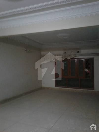Out Class Location 233 Sq Yd  Old House For Sale