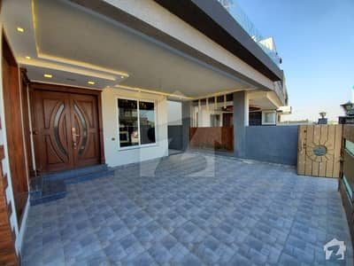 12 marla designer house for sale