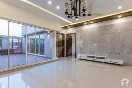 1 Kanal Luxurious Designer Bungalow Near Roots School