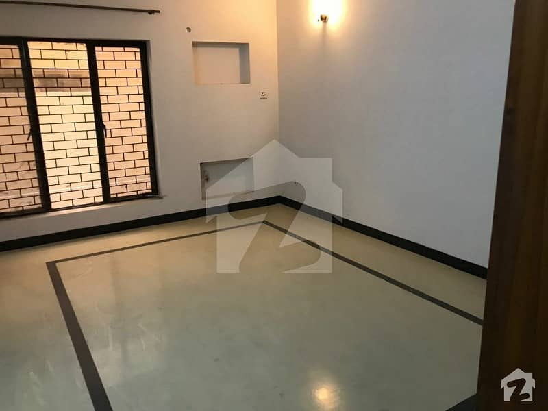 1 Kanal Good Location Upper Portion For Rent In GG Block Phase 4 DHA Lahore