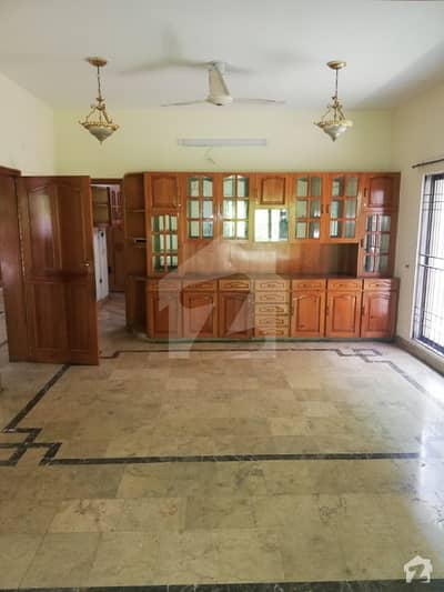 1 Kanal Full House Available For Sale In Main Cantt