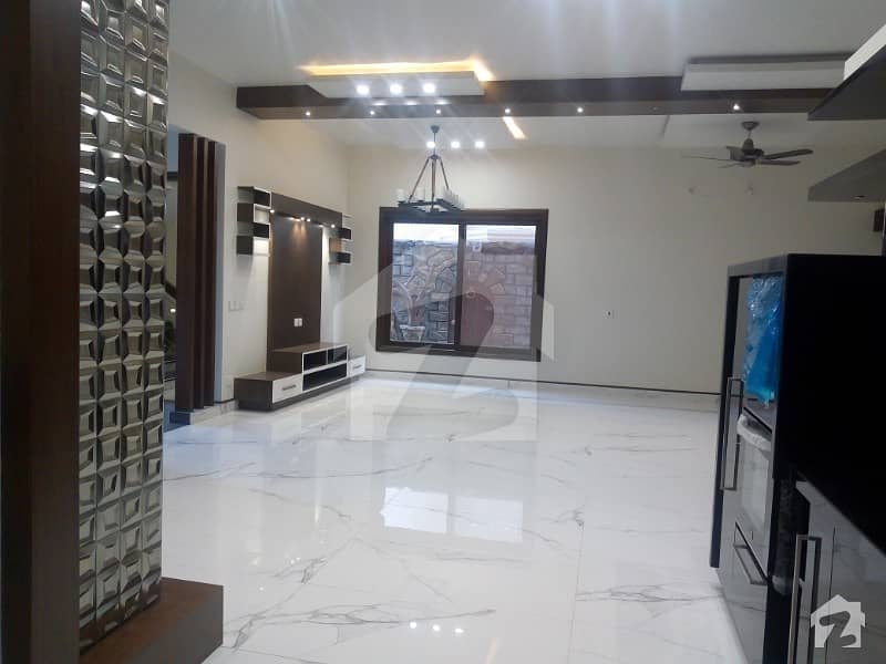 Beautiful Brand New  Ground portion 500 yard bungalow in DHA phase 7