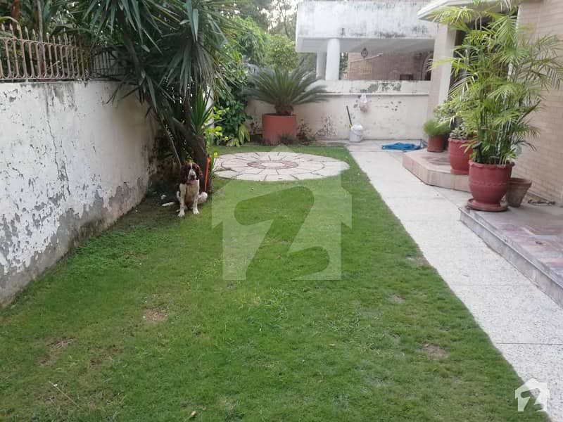 F10  500 Sq Yard Excellent Double Storey House For Sale
