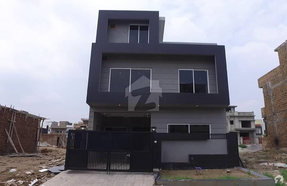 Double Storey House Is Available For Sale In D-12