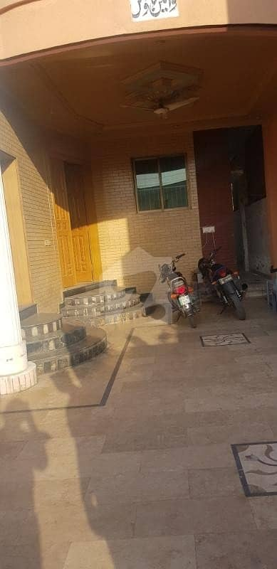 15 marla house avaliable for rent iqbal town