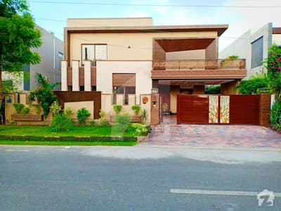 Brand New Outclass 1 Kanal Bungalow Near Sector Park Commercial Area Mosque