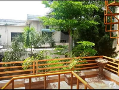 16 Marla 04 Bed Luxury House In Chawinda Lane On Sale  Fully Furnished Beside Park Gated Compound