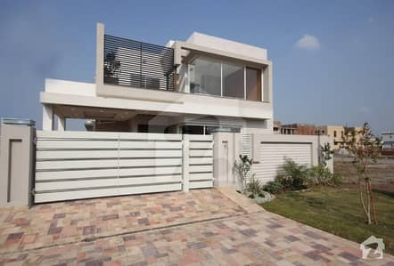 Mazhar Munir Design Brand New 10 Marla House for Sale with Well Finshing