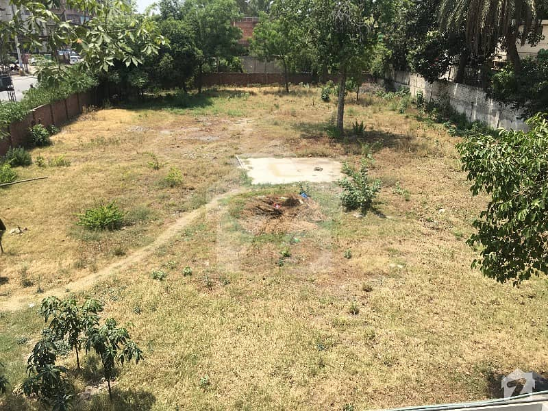 Plot For Sale In Gulberg Best For High Rise Projects