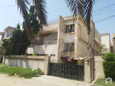 430 SQYards Old Bungalow in Nazimabad No 4 4B Area