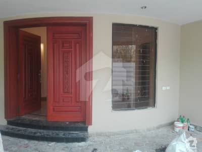 HNH Group Offer 1 Kanal Corner House Available For Rent