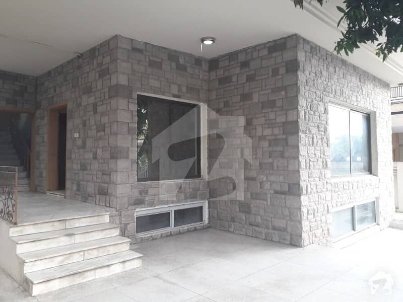 HOUSE FOR SALE SIZE 50X90