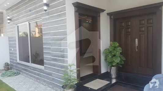 اسٹیٹ لائف ہاؤسنگ فیز 1 اسٹیٹ لائف ہاؤسنگ سوسائٹی لاہور میں 4 کمروں کا 10 مرلہ مکان 70 ہزار میں کرایہ پر دستیاب ہے۔