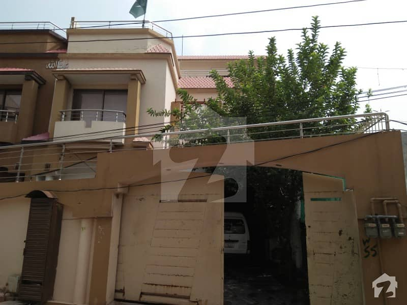 رینج روڈ راولپنڈی میں 8 کمروں کا 10 مرلہ مکان 2.25 کروڑ میں برائے فروخت۔