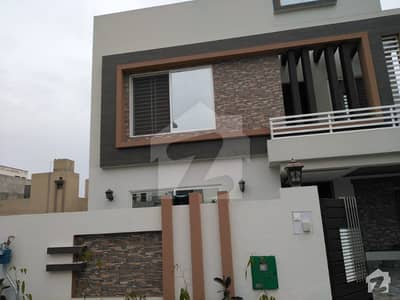 10 Marla Upper Portion Available For Rent In Bahria Town Lahore