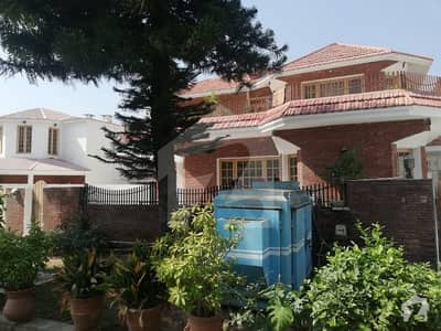 F-11 Beautifull Upper Portion 4 Bed 3 Bath 1 Kanal For Rent
