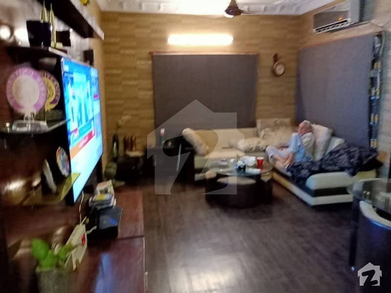 Well Maintained 200 yards Banglow for Sale in Gulistan e Johar block 19