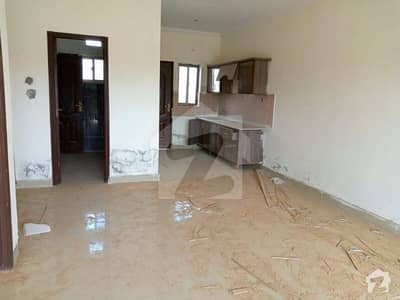 Flate For Rent For Students in Valencia Town