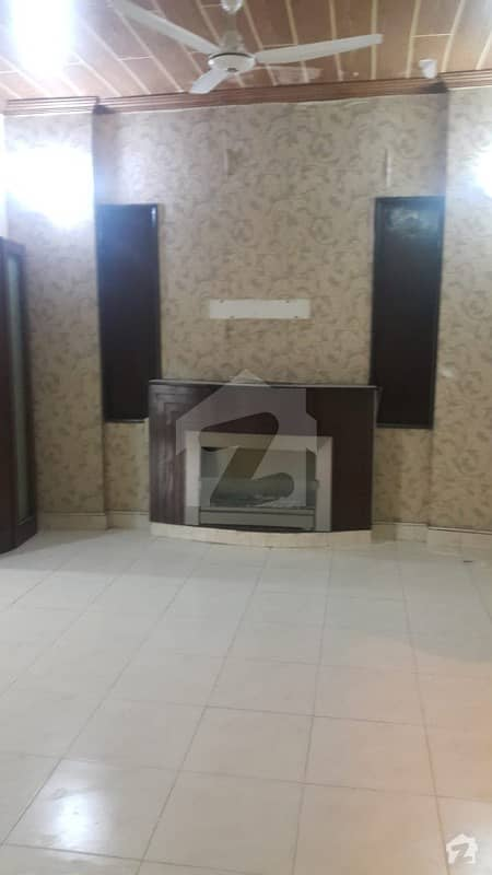 Good Condition House Available For Rent