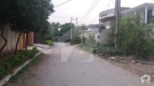 حیات آباد فیز 2 - ایچ1 حیات آباد فیز 2 حیات آباد پشاور میں 1 کنال مکان 3.5 کروڑ میں برائے فروخت۔