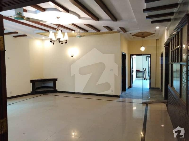 Lavish 1 Kanal House For Rent