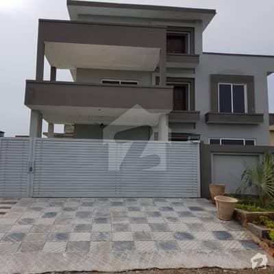 رِیور گارڈن اسلام آباد میں 6 کمروں کا 1 کنال مکان 3.1 کروڑ میں برائے فروخت۔
