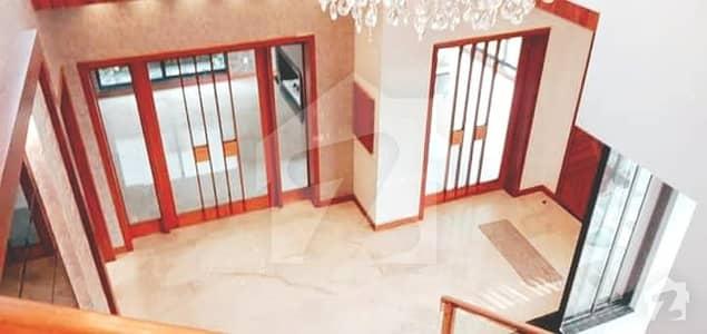 JJ Block 10 Marla Ultra Lavish Location House For Rent At Phase 4