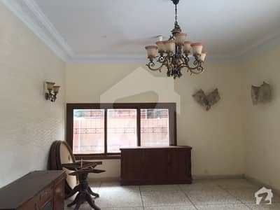 1200 Yards House For Rent With 09 Bedrooms
