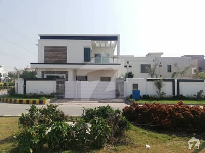 JB Real Estate Offers Outclass Luxury Corner Furnished House For Sale