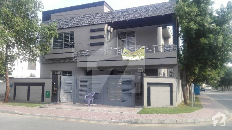 10 Marla Brand New House For Sale In Janiper Block Sector C Bahria Town Lahore