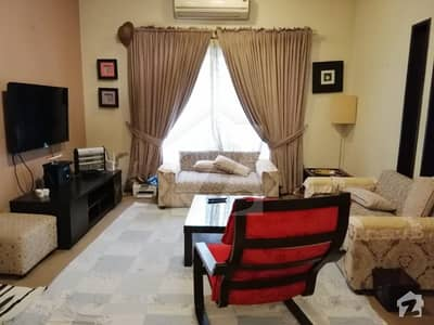 10 Marla House Excellent Location For Rent In Safari Villas Bahria Town Lahore