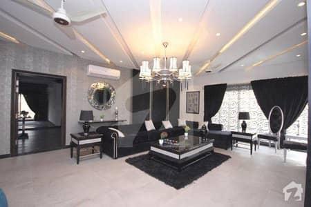 ڈی ایچ اے فیز 6 ڈیفنس (ڈی ایچ اے) لاہور میں 6 کمروں کا 2 کنال مکان 4.5 لاکھ میں کرایہ پر دستیاب ہے۔