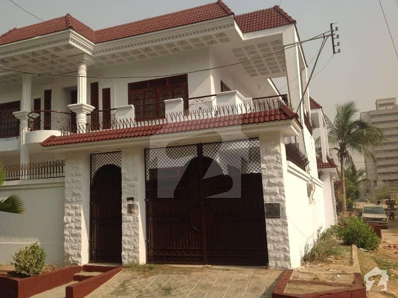 گلستانِِ جوہر ۔ بلاک اے 3 گلستانِ جوہر کراچی میں 6 کمروں کا 1.2 کنال مکان 5.6 کروڑ میں برائے فروخت۔