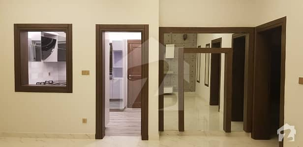 بحریہ گرینز بحریہ ٹاؤن راولپنڈی راولپنڈی میں 5 کمروں کا 10 مرلہ مکان 2.9 کروڑ میں برائے فروخت۔