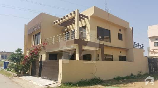 Invester's Price 6 Bed 12 marla corner House