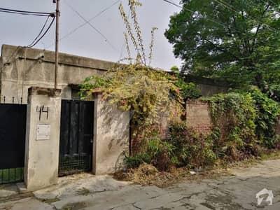 02 Kanal 04 Bed House In Main Miran Khan Road On Sale Near Park