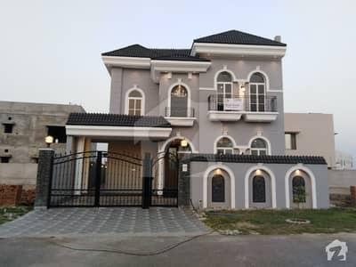 سٹی ہاؤسنگ سوسائٹی - بلاک سی سٹی ہاؤسنگ سوسائٹی فیصل آباد میں 5 کمروں کا 11 مرلہ مکان 2.15 کروڑ میں برائے فروخت۔