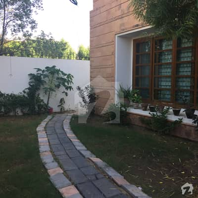 Extremely Well Maintained Bungalow on Prime location