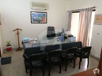 F10 Park Tower  Flat Is Available For Sale