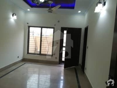 ڈی ۔ 12 اسلام آباد میں 6 کمروں کا 1.2 کنال مکان 2 لاکھ میں کرایہ پر دستیاب ہے۔