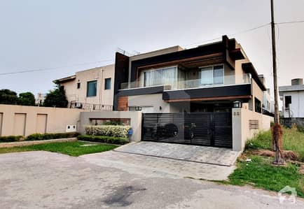 17 Marla New Double Unit Furnished House For Sale