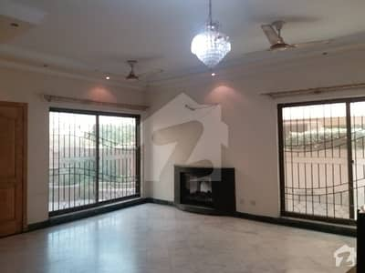 LEADS 1 KANAL OUT CLASS DESIGNER HOUSE FOR RENT DHA PHASE 4