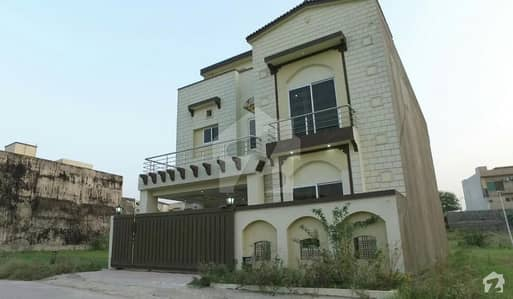 BAHRIA TOWN PHASE 8 7 MARLA BRAND NEW HOUSE FOR SALE